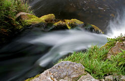 liten vattenfall Fotografering för Bildbyråer