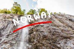 Liten vattenfall i berg, Norge Royaltyfria Foton