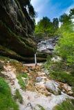 Vattenfall i Julian Alps i Slovenien Royaltyfria Bilder