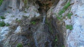 Liten vattenfall i Nice, Frankrike lager videofilmer