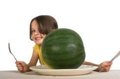 liten vattenmelon för flicka Royaltyfri Bild