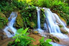 Liten vattennedgång i Chiangmai, Thailand Arkivbilder
