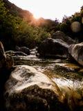 Liten vik Rio Barbaira i Rocchetta Nervina, Liguria - Italien Arkivbild