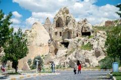 Liten vikhus Sikt av staden i Cappadocia royaltyfria foton