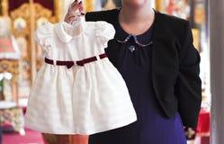 Liten vit klänning Royaltyfria Bilder