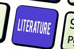 Literatura del texto de la escritura de la palabra El concepto del negocio para las escrituras escritas de los libros de trabajos foto de archivo libre de regalías