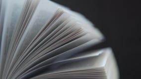 Literatura, libros clásicos Novela, una edición del libro, un libro en una cubierta almacen de metraje de vídeo