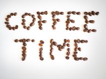 Literowanie kawowy czas układający od kawowych fasoli Obraz Royalty Free