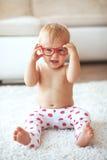 Litet barn hemma Royaltyfri Foto