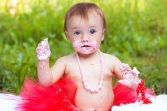 Litet barn med blåa ögon och rolig sinnesrörelse Royaltyfri Bild