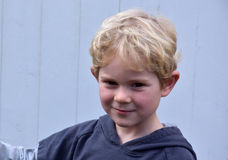 Litet barnpojke royaltyfria bilder