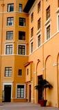 Litet europeiskt hotell Royaltyfria Bilder
