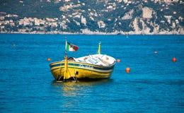 Litet fartyg på Portifino Fotografering för Bildbyråer
