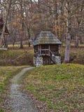 Litet hus i träna Arkivfoton