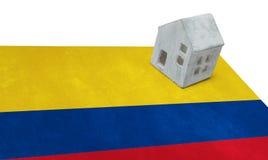 Litet hus på en flagga - Colombia Fotografering för Bildbyråer