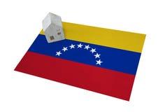 Litet hus på en flagga - Venezuela Royaltyfri Fotografi