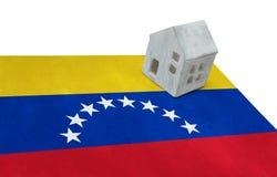 Litet hus på en flagga - Venezuela Arkivfoto