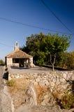 Litet i kyrka i dalmatia arkivfoton