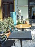 Litet kafé på gatorna av Tbilisi i Georgia royaltyfri fotografi