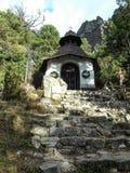 Litet kapell i Vysoke Tatry Fotografering för Bildbyråer