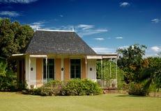 litet kolonialt hus Royaltyfri Fotografi