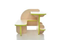 Litet och färgrikt tabellskrivbord för isolerade ungar för litet barn Royaltyfri Fotografi