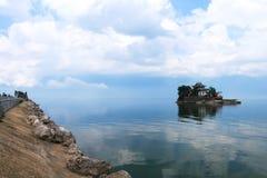 Litet Putuo landskap i Dali Erhai, Yunnan, Kina arkivbilder