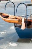 Litet träfartyg Arkivfoton