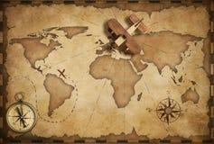 Litet wood flygplan över nautisk översikt för värld som lopp- och kommunikationsbegrepp royaltyfri illustrationer