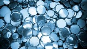 Lithium-Batterien des verschiedenen Größenhintergrundblaus Stockfotos