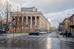 lithuania A construção da biblioteca nacional lituana em Vilnius 31 de dezembro de 2017 imagem de stock royalty free