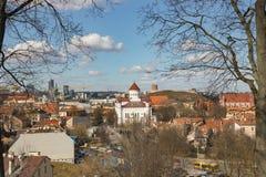 lithuania vilnius Flyg- sikt på Vilnius Panorama av Vilnius: Den Gediminas slotten, den gamla staden och annan anmärker Royaltyfri Bild
