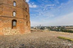 lithuania vilnius vilnius för sikt för stadsområde virsuliskes Vilnius torn av Gedimin Royaltyfri Bild