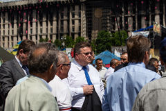 Lithuanian Foreign Minister Linas Linkevicius meets with protesters on Independence Square in Kiev Stock Photography