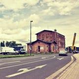 Litomerice, Tsjechische rebublic - 29 augustus, 2017: de historische industriële bouw langs Royalty-vrije Stock Foto's