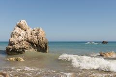 Litoral com a rocha em Chipre Foto de Stock