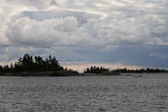 Litoral da baía Georgian com nuvens intensas Imagem de Stock Royalty Free