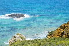 Litoral de uma praia rochosa ao longo da grande estrada do oceano, Victoria Fotografia de Stock Royalty Free