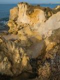 Litoral do arenito com os Sandy Beach no vendaval fotografia de stock royalty free