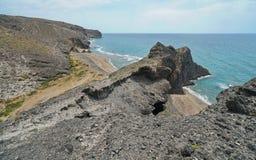 Litoral e praia rochosos Cabo de Gata Spain fotografia de stock royalty free
