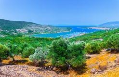 Litoral romântico maravilhoso do panorama da paisagem da tarde do verão Fotografia de Stock Royalty Free