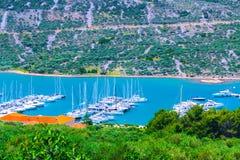 Litoral romântico maravilhoso do panorama da paisagem da tarde do verão Fotografia de Stock