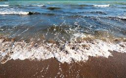 Litorale della spiaggia al giorno immagine stock libera da diritti