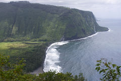 Litorale nebbioso di grande isola dell'Hawai Fotografie Stock Libere da Diritti