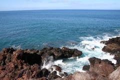 Litorale roccioso della Molocai Hawai Fotografia Stock