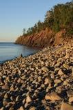Litorale spaccato della roccia Immagini Stock