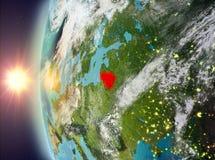 Litouwen tijdens zonsondergang van ruimte Stock Afbeelding