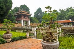 Litteraturtempel Van Mieu i Hanoi Royaltyfria Bilder