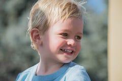 Little Boy au jeu Photographie stock libre de droits
