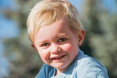 Little Boy au jeu Photo libre de droits